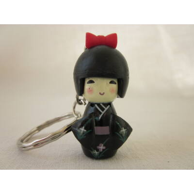 Kokeshi baba kulcstartó - fekete