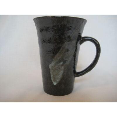 Porcelán pohárbögre