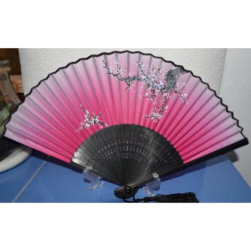 Selyem, kézzel festett legyező sakura díszítéssel-rózsaszín