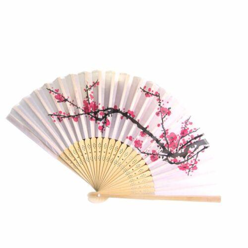 Fehér-rózsaszín sakura virágos legyező
