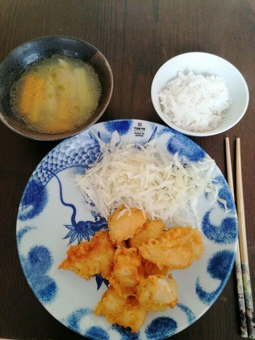 karaage leves rizs japán étel